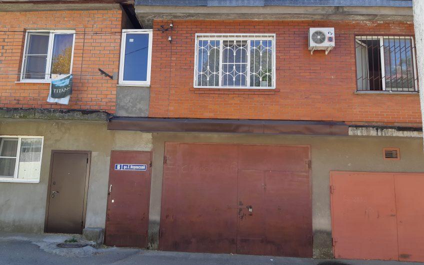 Продаётся жилой блок в центре города